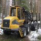 rubber-tired forestry harvester / with crane