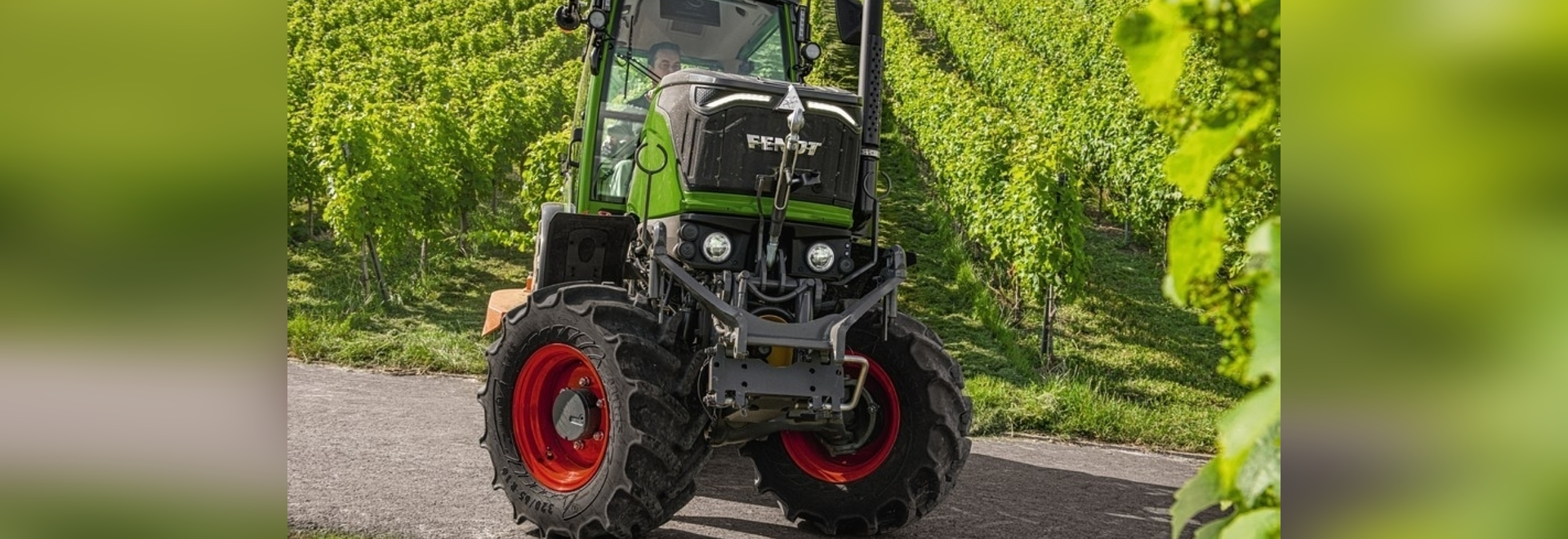 """Fendt tractor wins """"Tractor of the Year 2021 – Best of Specialised"""""""
