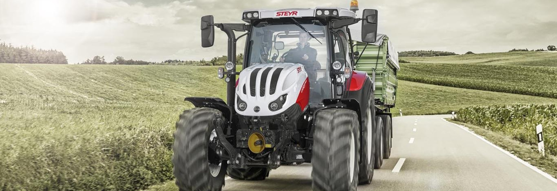 New compact size premium tractor on the starting grid from Steyr