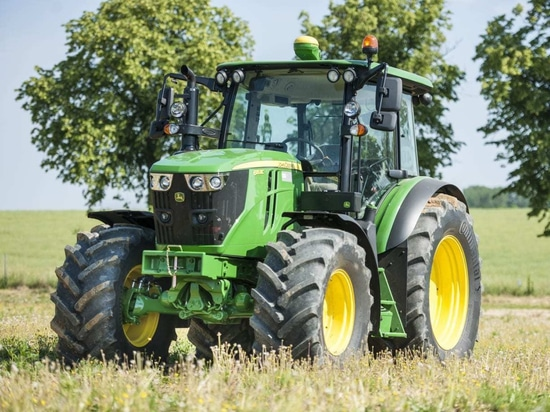Continental partner with John Deere in offering its Tractor70 and Tractor85 tyres on new 6 series tractors.