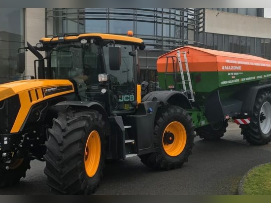 Amazone ZG-TS: Formidable new fertiliser spreader from Farmhand