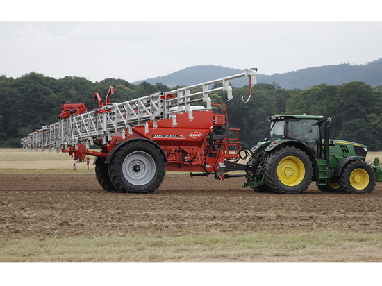 Kuhn upgrades boom spreader with launch of Aero GT