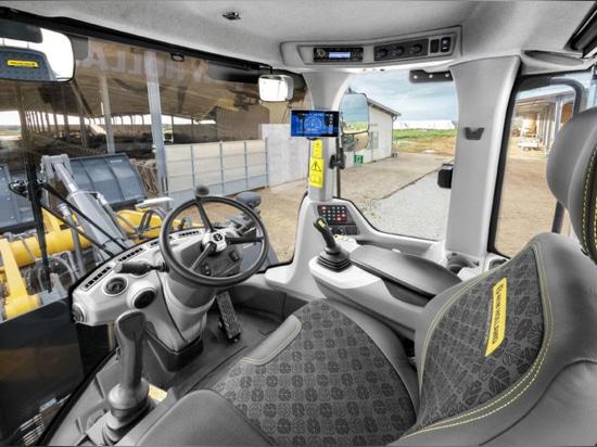 Pics: New Holland upgrades D Series loader range
