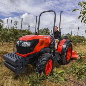 果樹園用トラクター